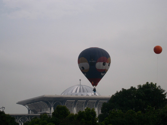 Balloon Over Putrajaya