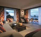 Executive Seaview Suite - Living room